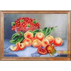 Персики со смородиной