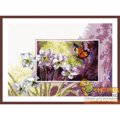 Нарциссы и бабочка