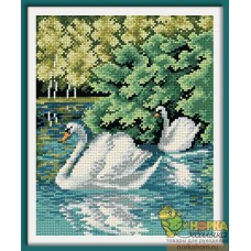 Лебеди на реке