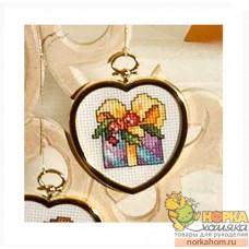 Подарок (в рамке-сердечке)