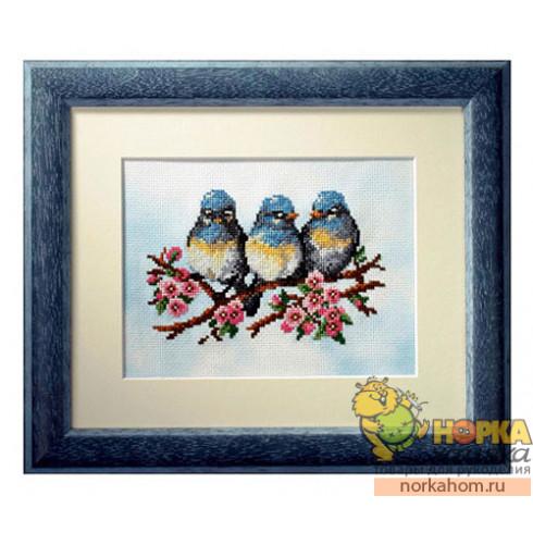 Три птички на ветке