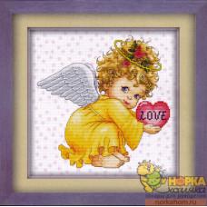 Ангел-девочка с сердечком (канва с сердечками)