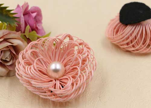 """Цветок """"Птичье гнездо с жемчужиной"""" (розовый)"""