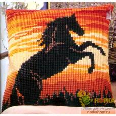 """Подушка """"Конь на закате"""""""