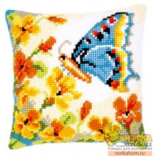 """Подушка """"Бабочка на цветах"""""""