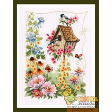 Summer Nesting Box