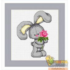 Зайчонок с цветком